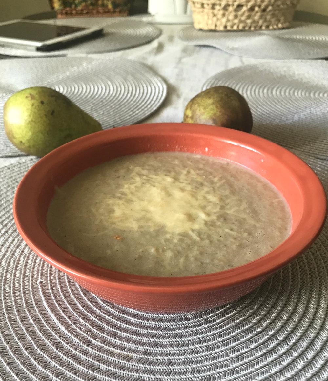 """Крем-суп из корня петрушки и груши """"петрушка-грушка"""""""