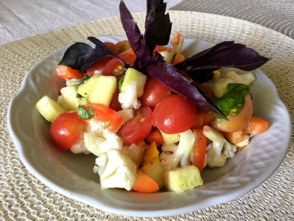 Салат из цукини с цветной капустой